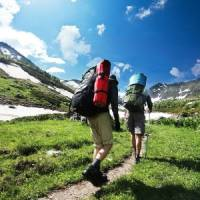 7 Essential Items You Should Take on a Hike ...