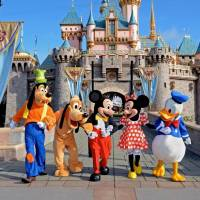 25 Secrets of Disneyland ...