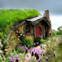 Take a Journey to Middle Earth: Hobbit Houses You Can Rent for Vacation ...