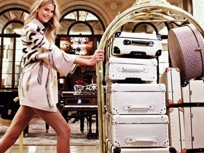 8 Must-have Items when Travelling Everyone Should Have ...
