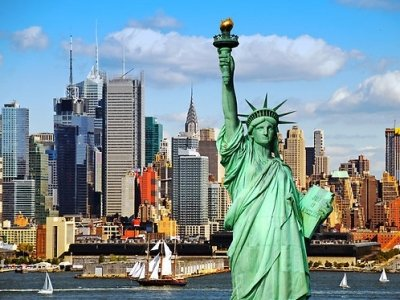9 Touristy Things to do in New York City ...