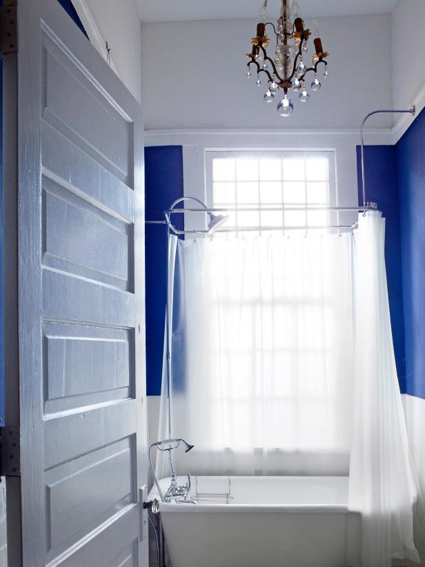 2. Small Bathroom Decor