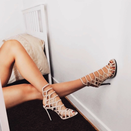 Reasons why women have a passion for stilettos heels