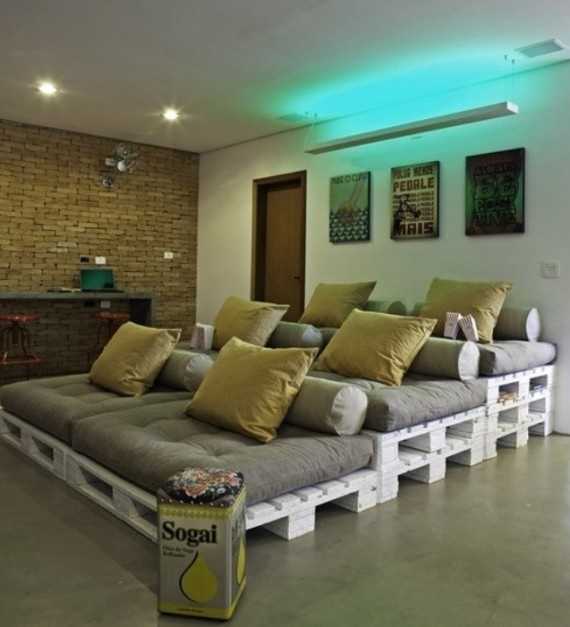 Home theater seating from pallets