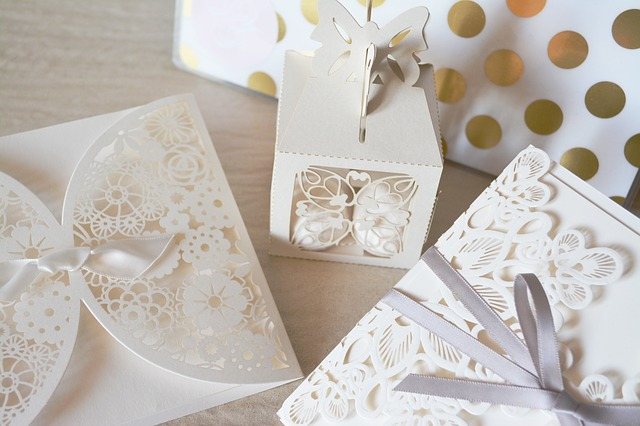 wedding invitations can be costly they will set you back a further 800 on average