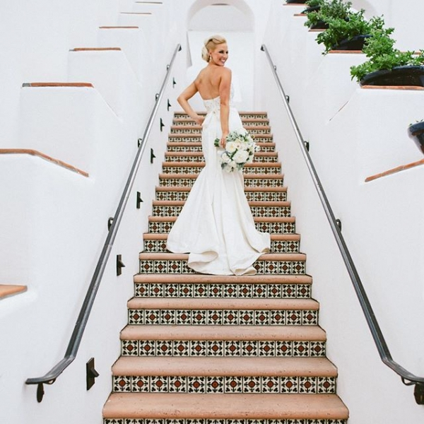 17 of Today's Dreamy 💭 Wedding Inspo for Brides 💍 Who Want a Moving Wedding 👰🏼👰🏽👰🏿👰🏻 ...
