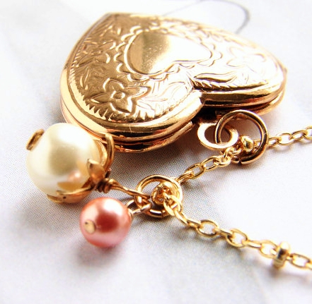 Personalize Locket: Fall in Love with Lockets
