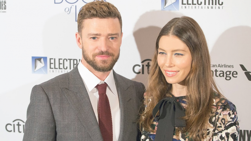 Justin Timberlake and Jessica Biel Dazzle on the Red Carpet | Splash News TV 🎥