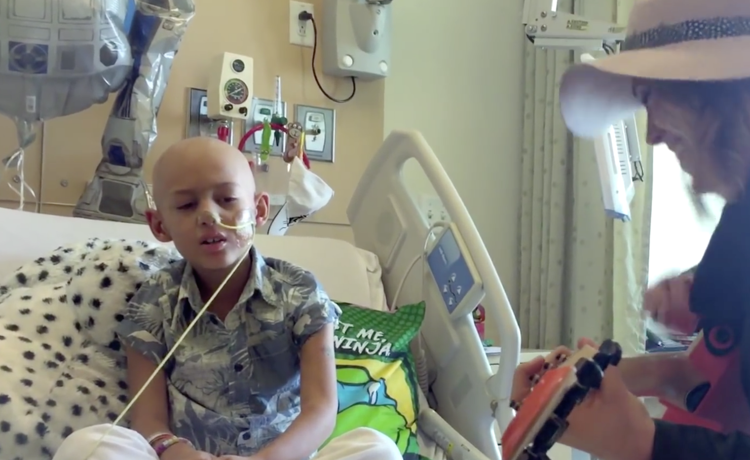 "Watch This 7-Year-Old With Cancer Sing ""Fight Song"" ..."