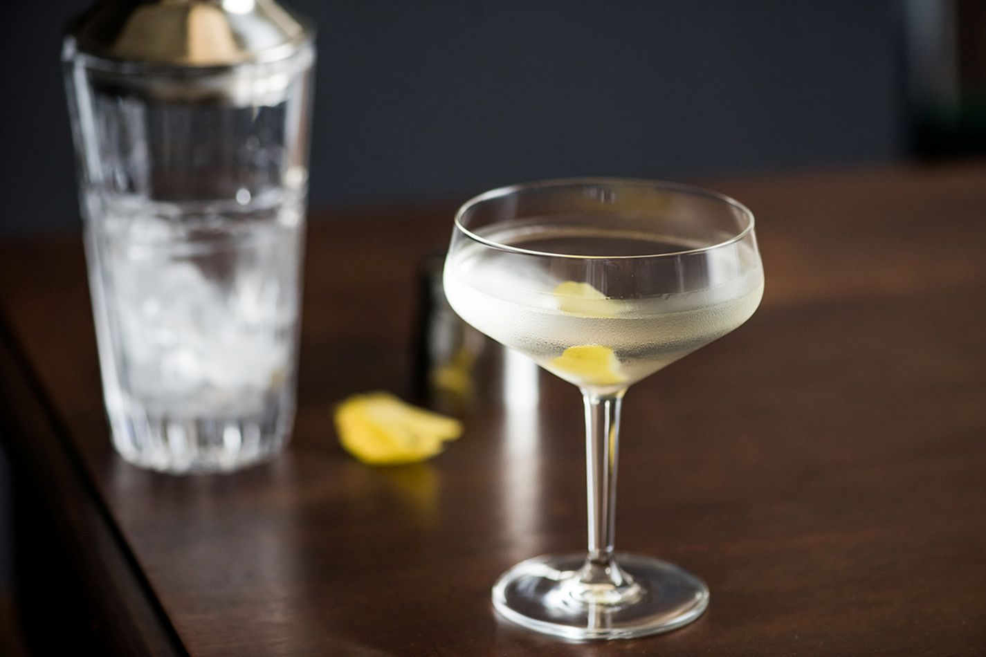 4 CLASSIC COCKTAILS GIRLSSHOULD KNOW HOW TO MAKE