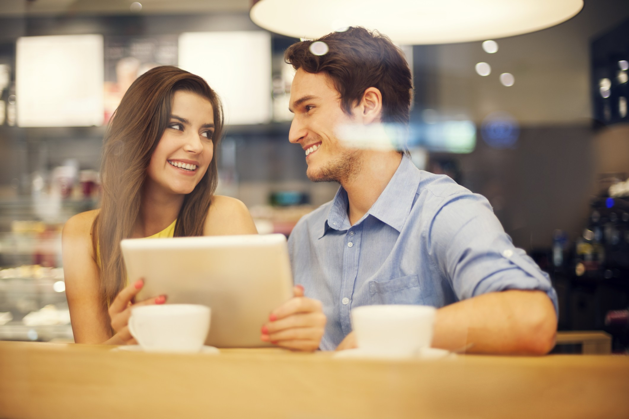 How to choose the right dating website