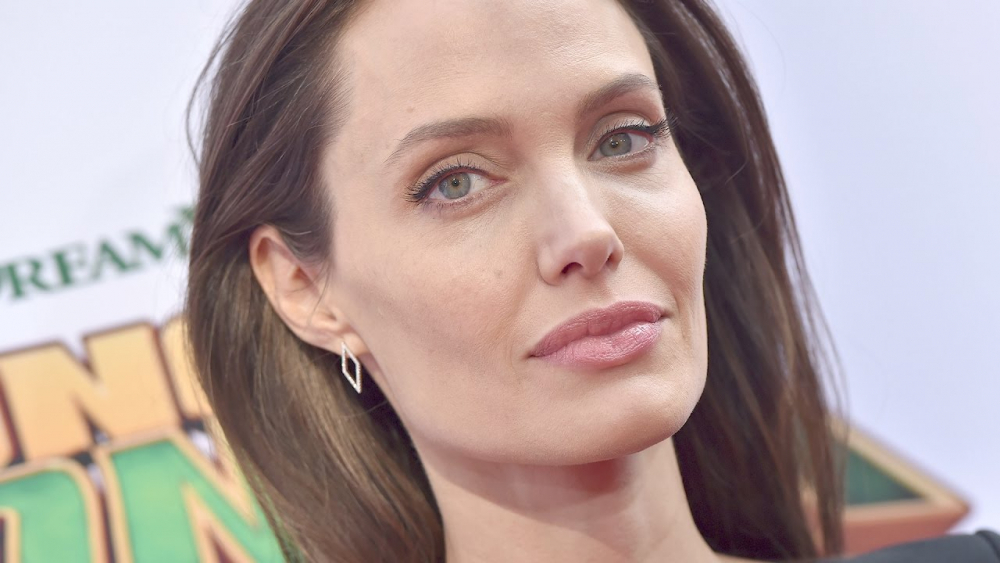 'Dynamite' Audio Recordings of Angelina Jolie May Exist & Hurt Her Bid for Custody | Splash News TV 🎥