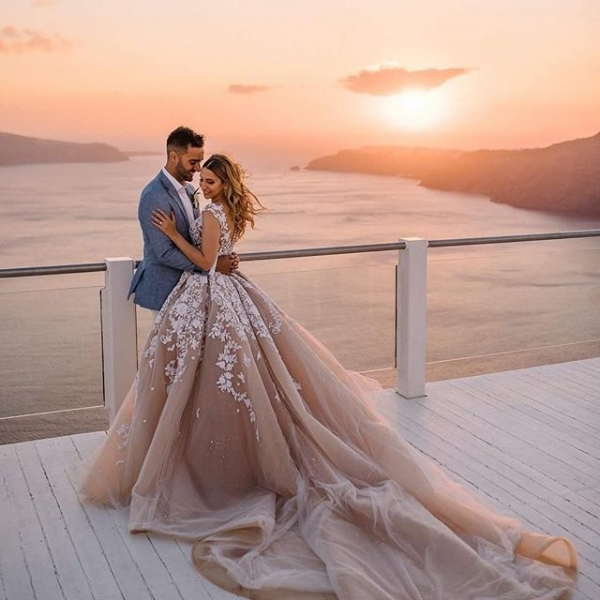 12 of Today's Bomb 💣 Wedding Inspo for Brides 👰🏼👰🏽👰🏿👰🏻 Who Want Their Wedding Day to Be Special 💘 ...