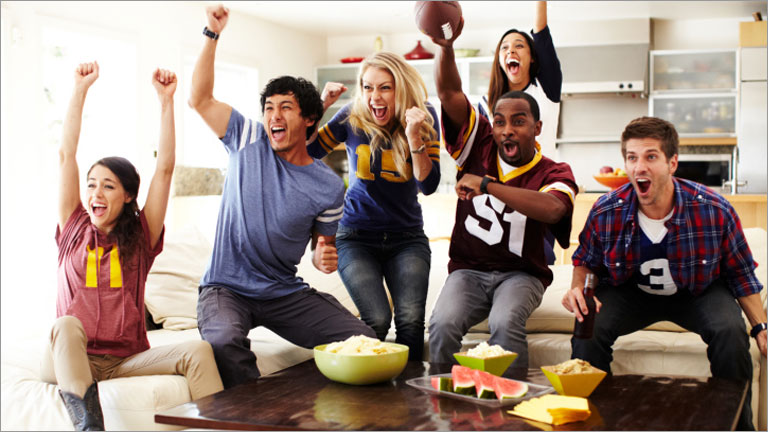 HOW TO HOST AN AWESOME FOOTBALL PARTY FOR THE SUPERBOWL