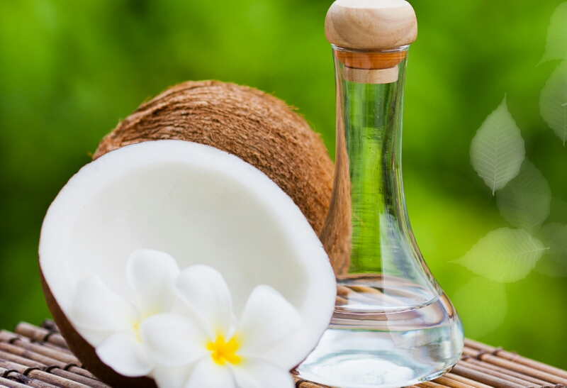 10BEAUTY BENEFITS OF COCONUT OIL