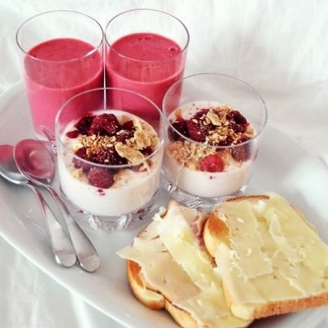 Healthy breakfast ideas & recipes!