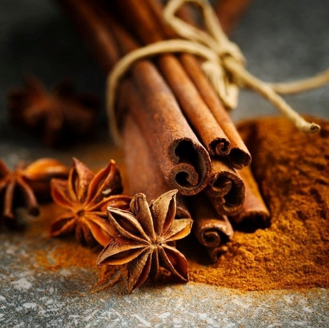 WHY YOU SHOULD EAT CINNAMON