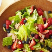7 Reasons You Should Make Salad the Main Dish ...