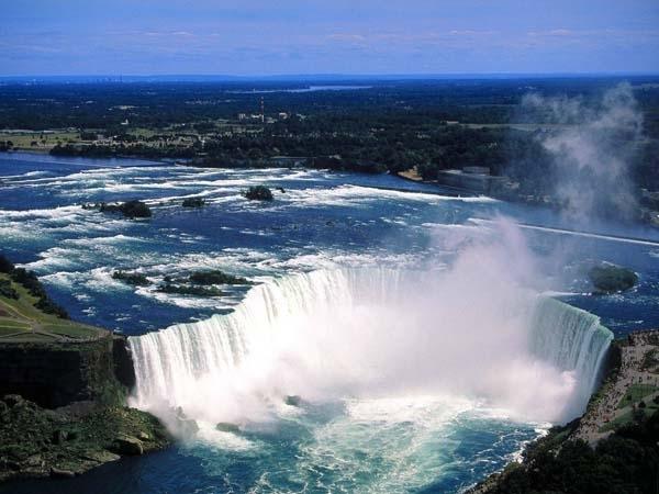 Catch the Spray at Niagara Falls