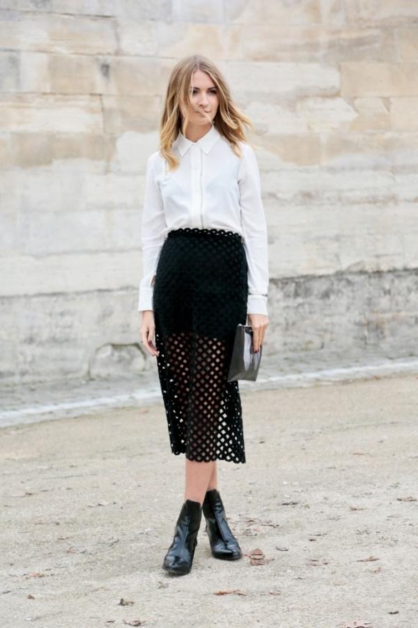 Modern Elegance in Black and White