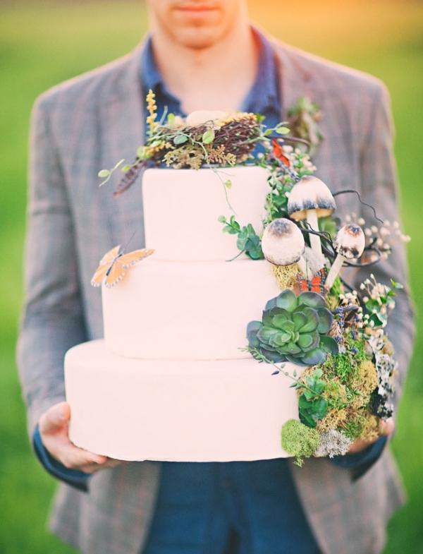 Twilight Inspired Rustic Wedding Cake