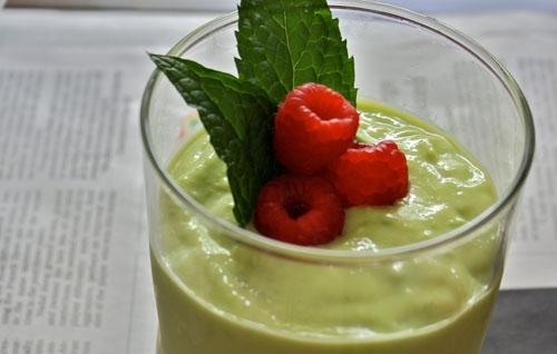 Raspberry-Avocado Smoothie