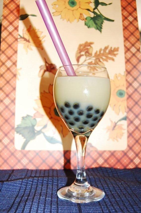 Lavender Milk Tea with Tapioca
