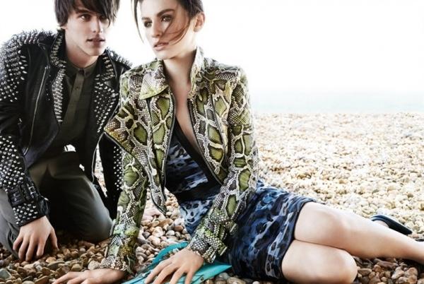 clothing, sitting, photo shoot, footwear, model,