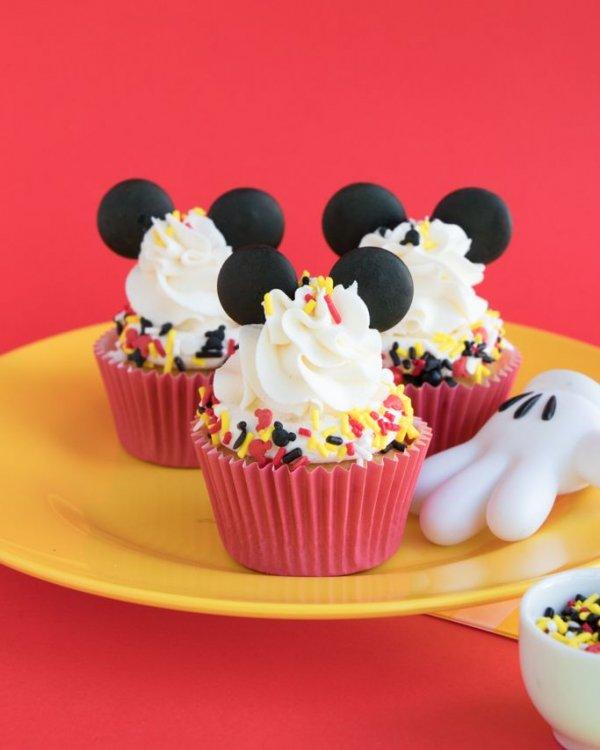 Food, Cupcake, Dessert, Cake, Buttercream,