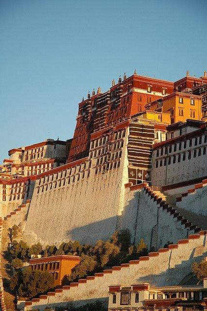 Potala Palace,landmark,town,ancient history,cityscape,