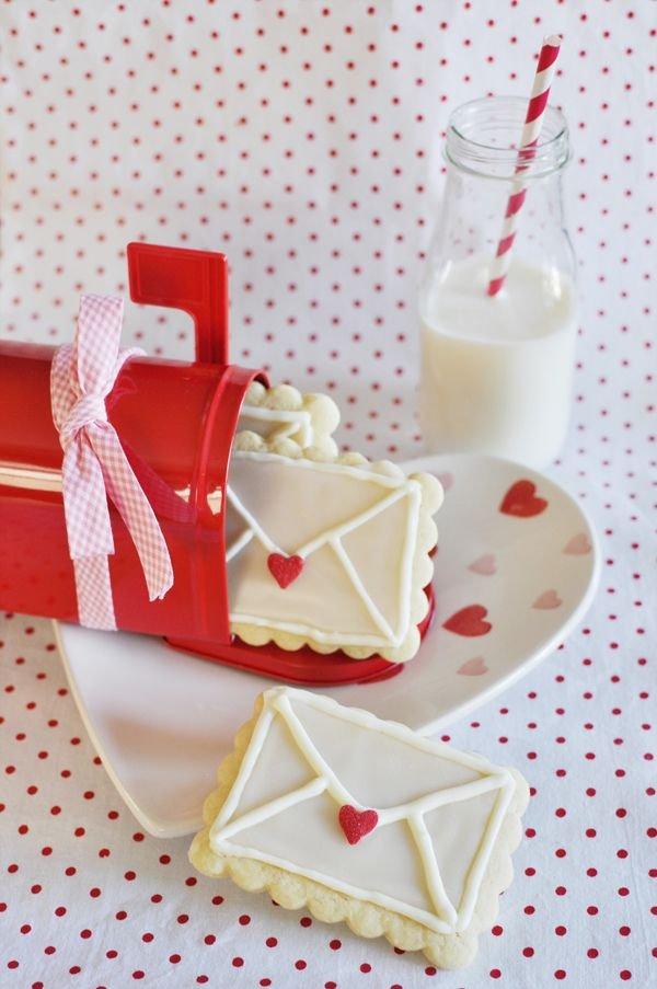 pink,food,dessert,icing,cake decorating,