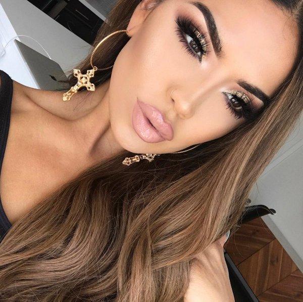 eyebrow, beauty, human hair color, chin, eyelash,