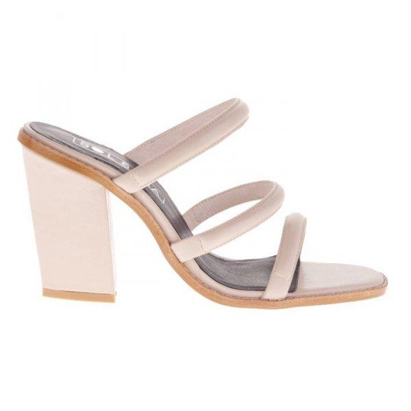 footwear, shoe, flip flops, sandal, leg,
