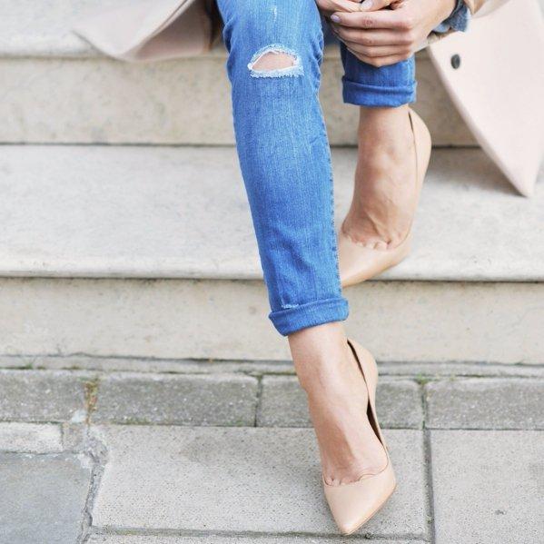 Wear Heels with a Low-cut Vamp