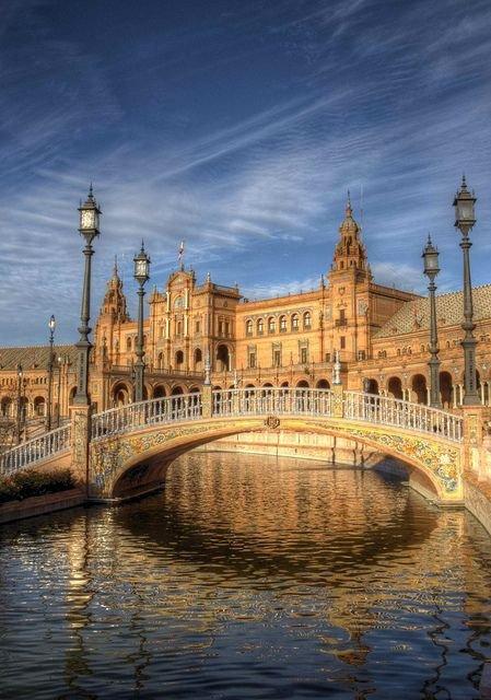 Plaza de España,reflection,landmark,river,evening,