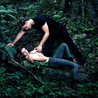 Edward over Bella