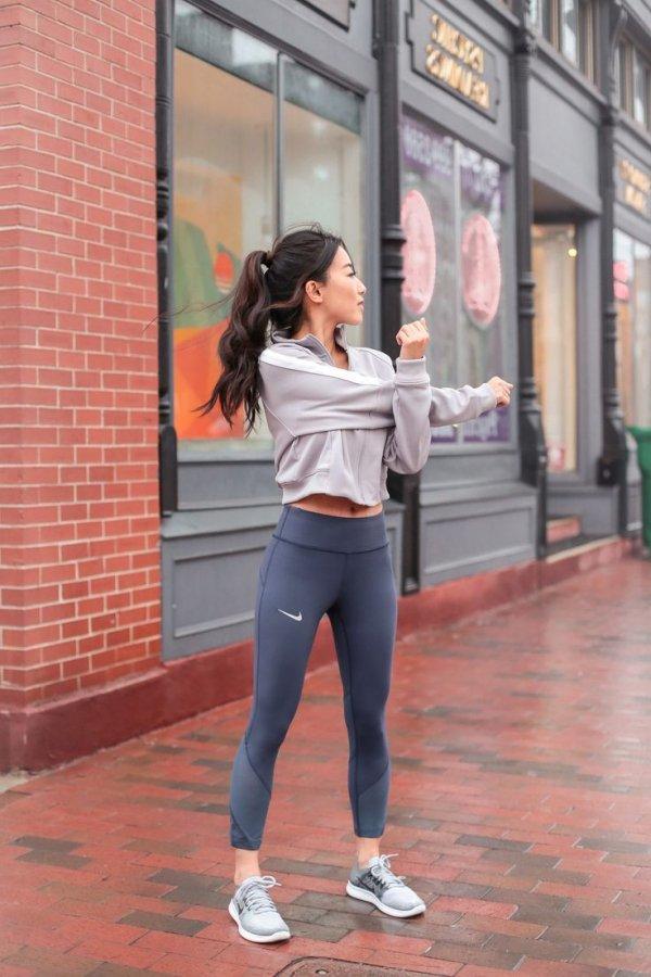 Shoulder, Snapshot, Standing, Street fashion, Leg,
