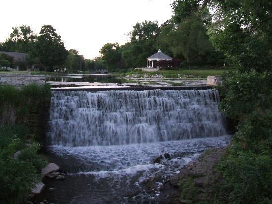 Menomonee Falls, WI