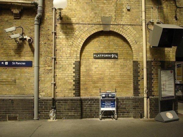 Platform 9 ¾ (Harry Potter)