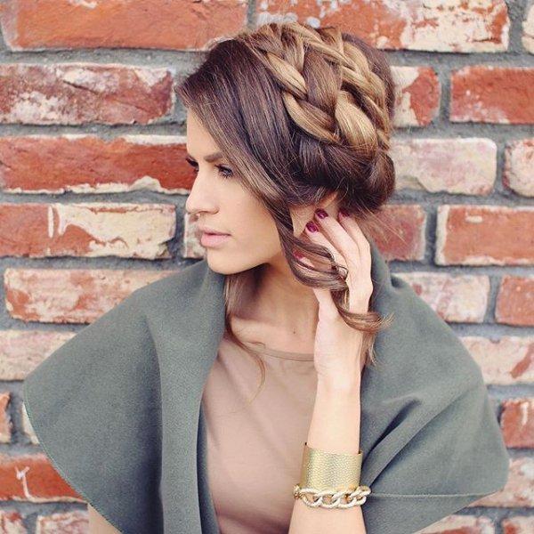 clothing, hair, hairstyle, fashion accessory, eyewear,