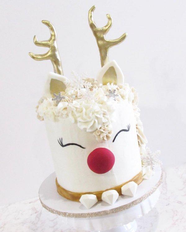 food, reindeer, deer, cake decorating, dessert,