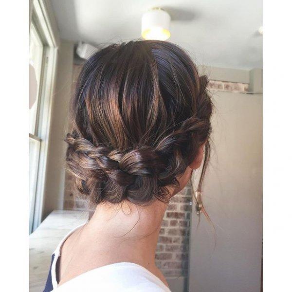 hair, hairstyle, brown hair, bangs, head,
