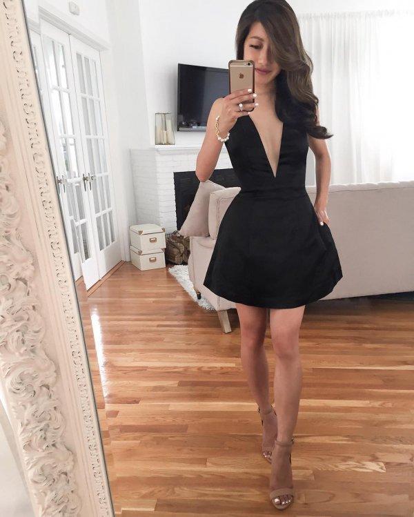 clothing, dress, fashion model, cocktail dress, shoulder,