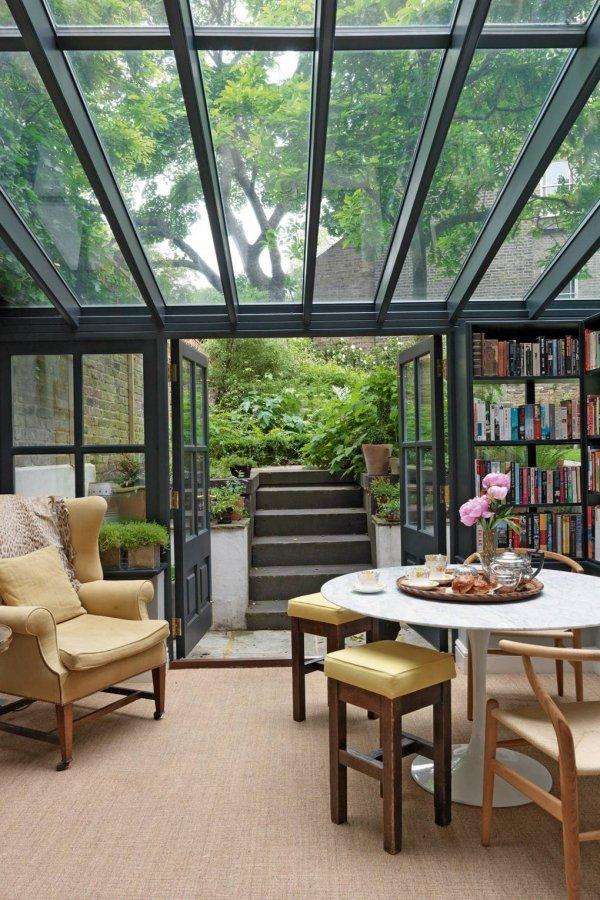 Room, Building, Property, Interior design, Daylighting,