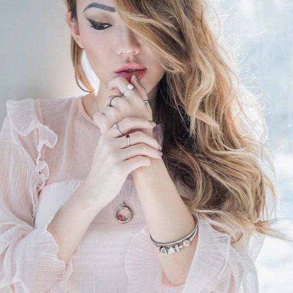 beauty, human hair color, fashion model, jewellery, blond,