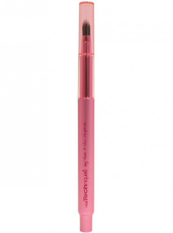 A Blending Makeup Brush