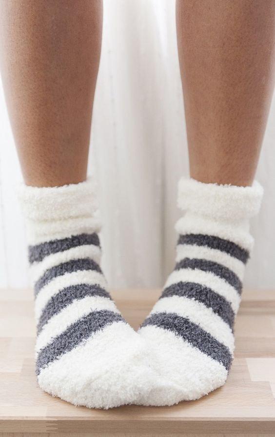 white, footwear, shoe, sock, human leg,