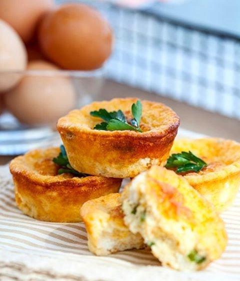 food, dish, meal, breakfast, bruschetta,