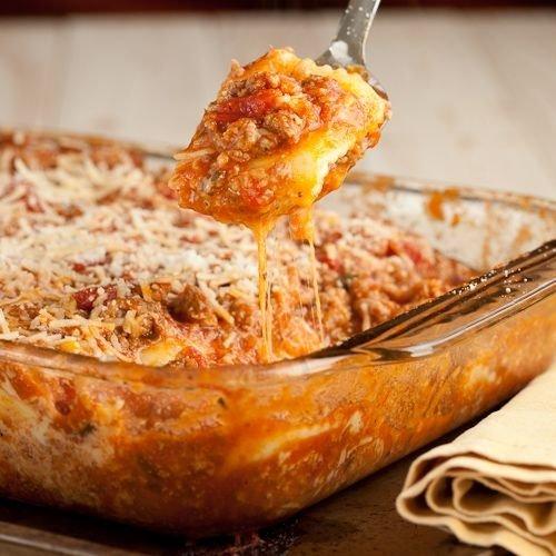 Cheesy Ravioli with Meat Sauce