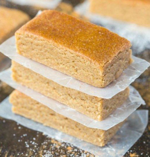 Healthy No Bake Apple Pie Protein Bars